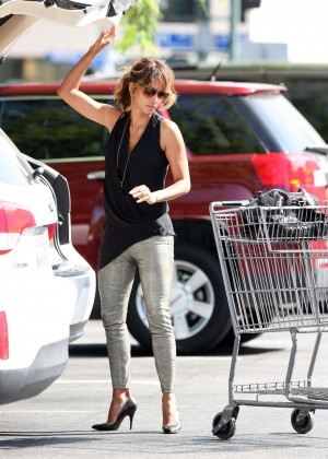 Halle Berry in Tight Pants Shopping in Beverly Hills