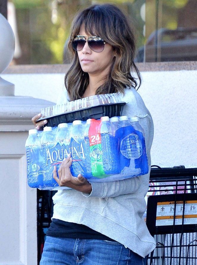 Halle Berry - Shopping in Beverly Hills