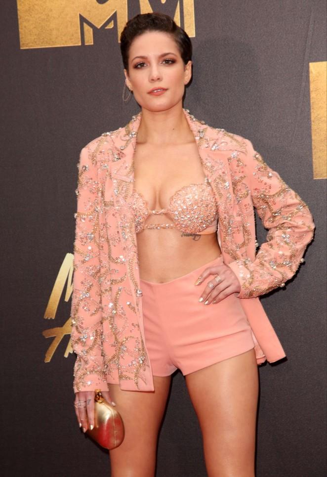 Halsey - 2016 MTV Movie Awards in Burbank