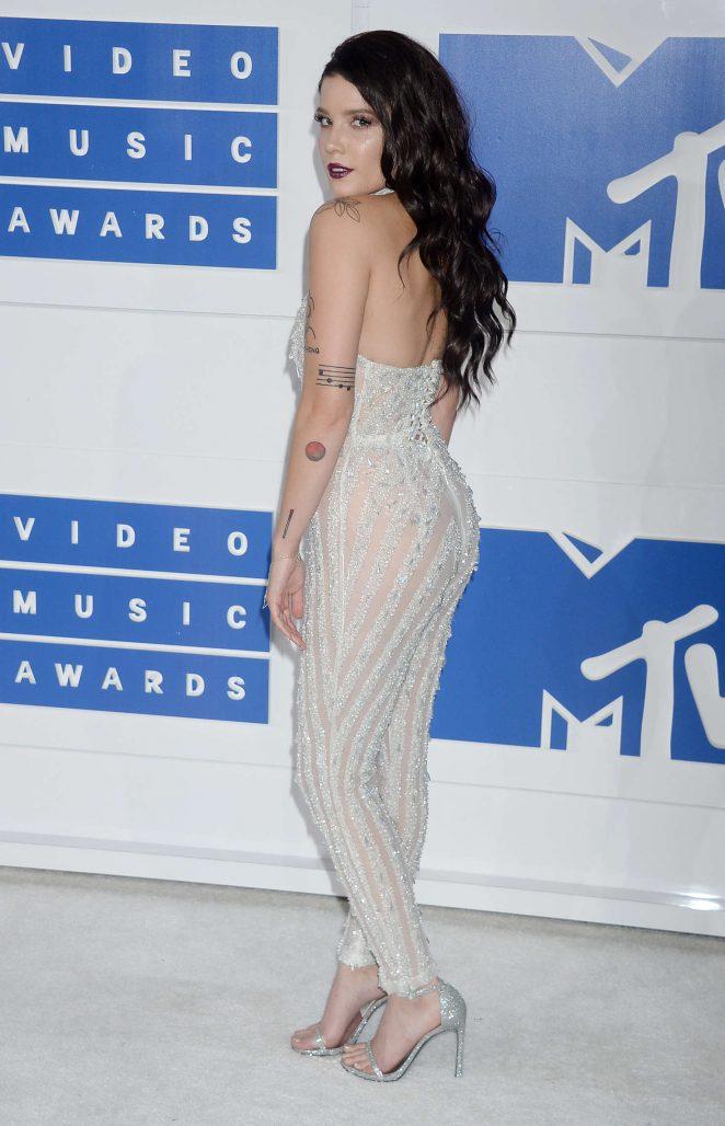 Halsey - 2016 MTV Video Music Awards in New York City