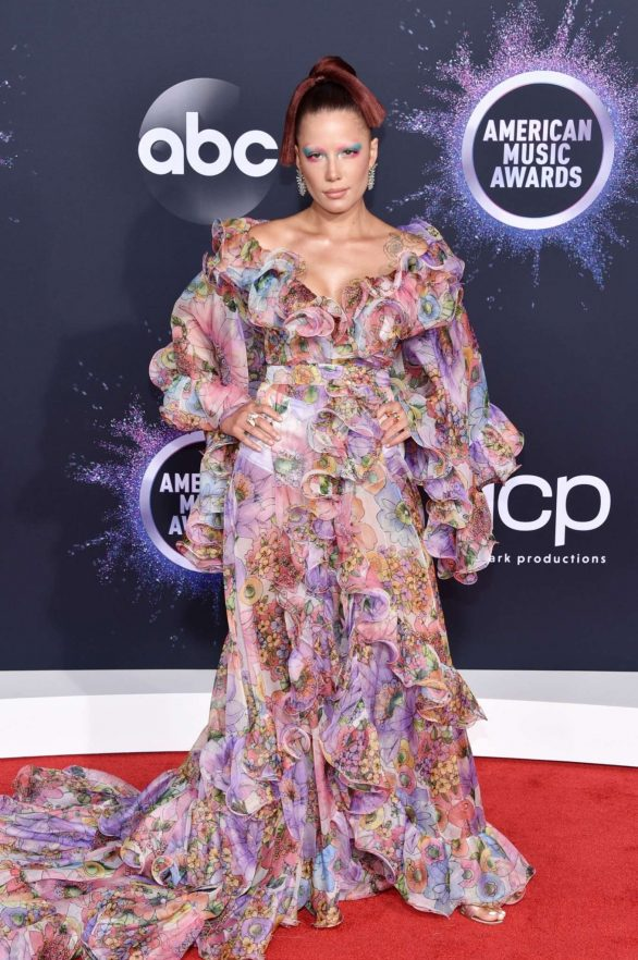 Halsey - 2019 American Music Awards in Los Angeles