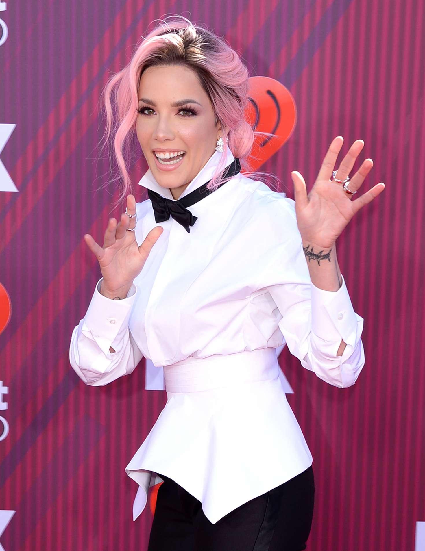 Halsey 2019 : Halsey: 2019 iHeartRadio Music Awards -05