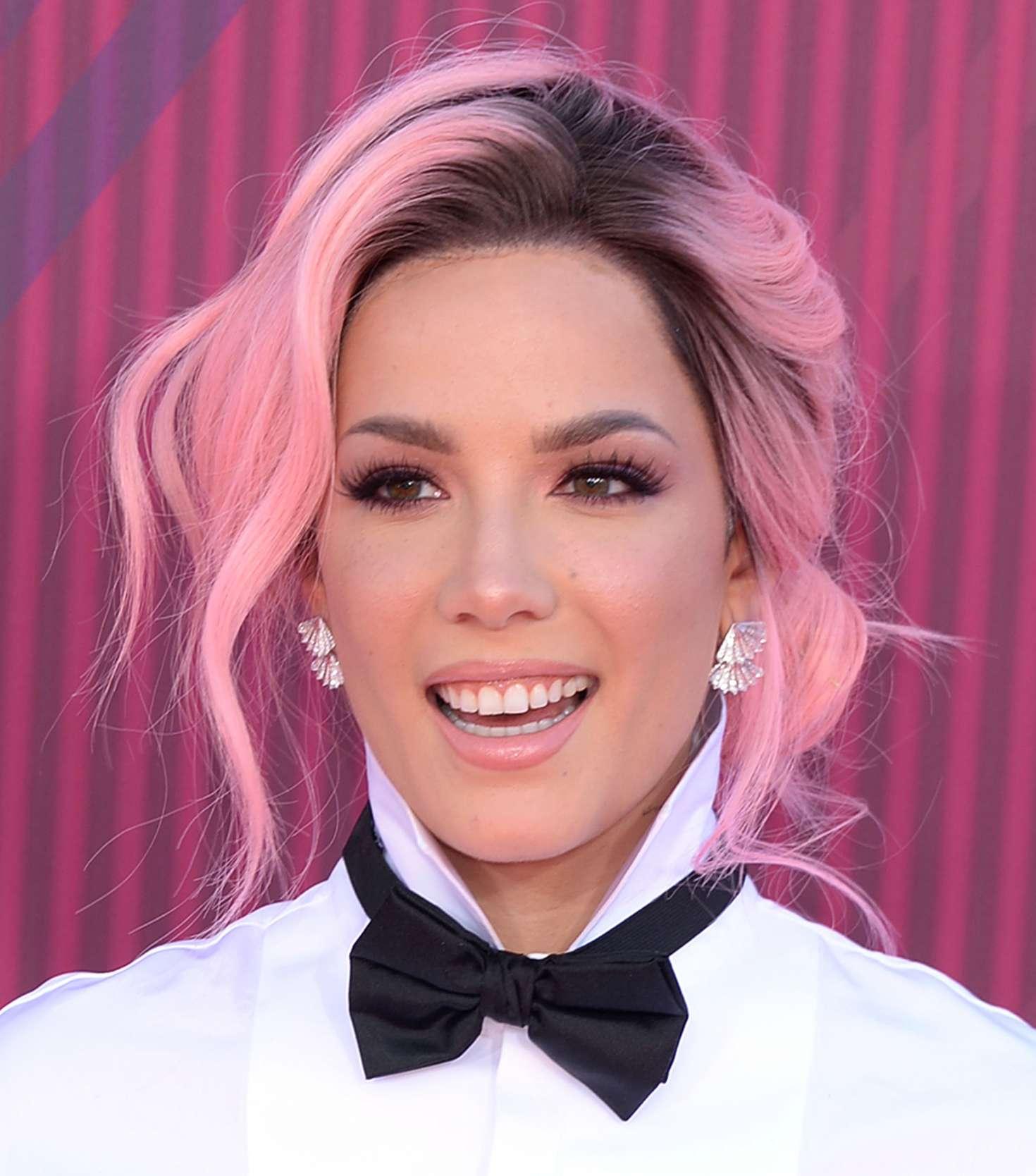 Halsey 2019 : Halsey: 2019 iHeartRadio Music Awards -06