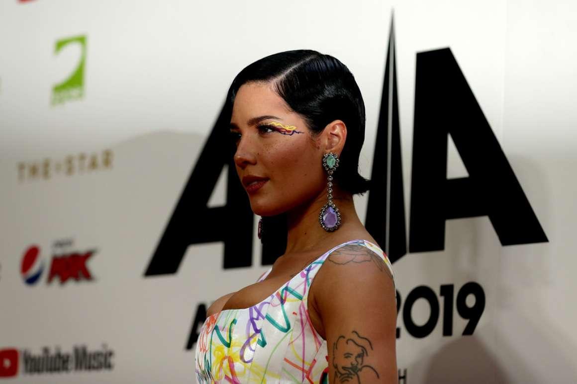 Halsey 2019 : Halsey – ARIA Awards 2019 in Sydney-01
