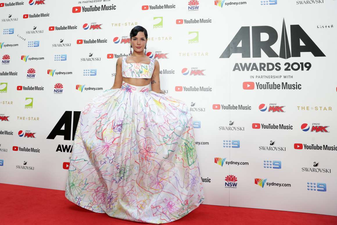 Halsey 2019 : Halsey – ARIA Awards 2019 in Sydney-04