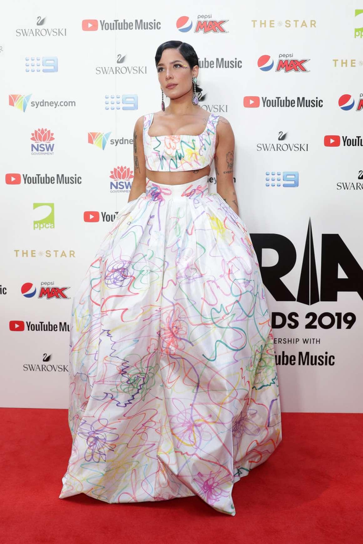 Halsey 2019 : Halsey – ARIA Awards 2019 in Sydney-09
