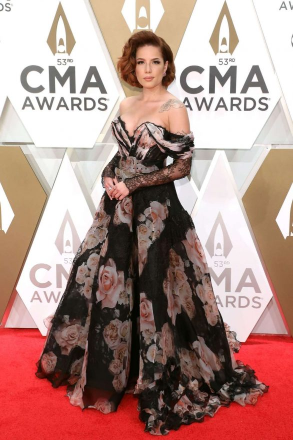 Halsey - 2019 CMA Awards in Nashville