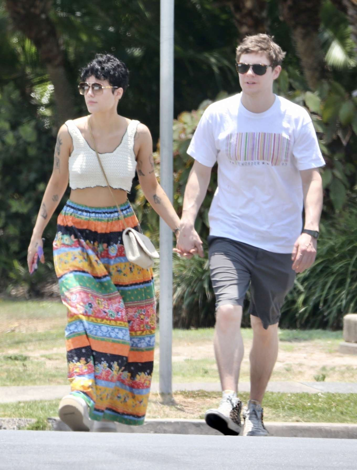 Halsey and Evan Peters - Getting lunch at Main Beach on the Gold Coast in Australia