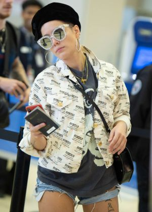 Halsey - Arrives at JFK Airport in New York City