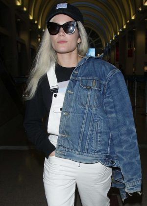 Halsey - Arriving at LAX airport in Los Angeles