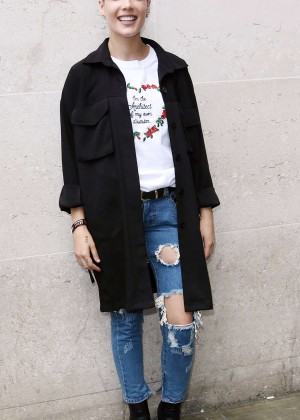 Halsey in Ripped Jeans at BBC Studios in London