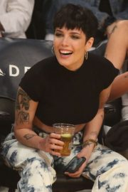 Halsey - Cleveland Cavaliers vs Los Angeles Lakers at Staples Center in LA
