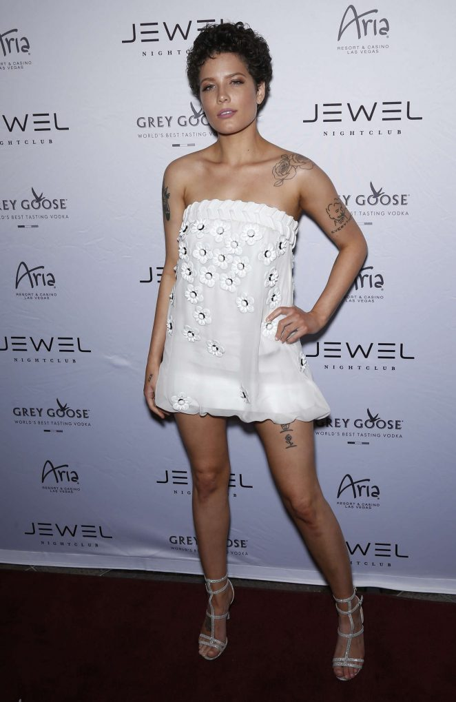 Halsey: Jewel Nightclub Grand Opening Weekend -01