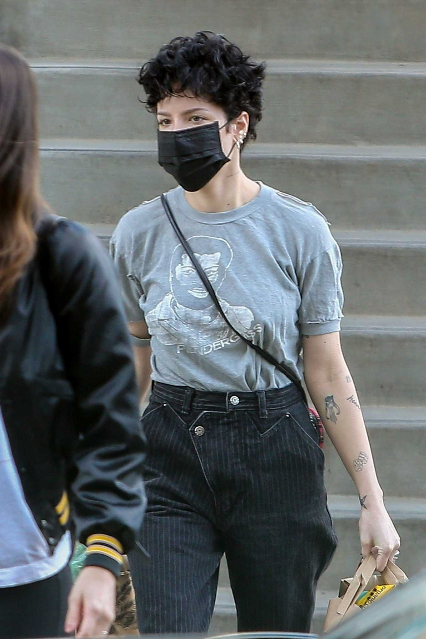 Halsey 2020 : Halsey – Shopping at Erewhon Market in Los Angeles-05