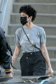 Halsey - Shopping at Erewhon Market in Los Angeles