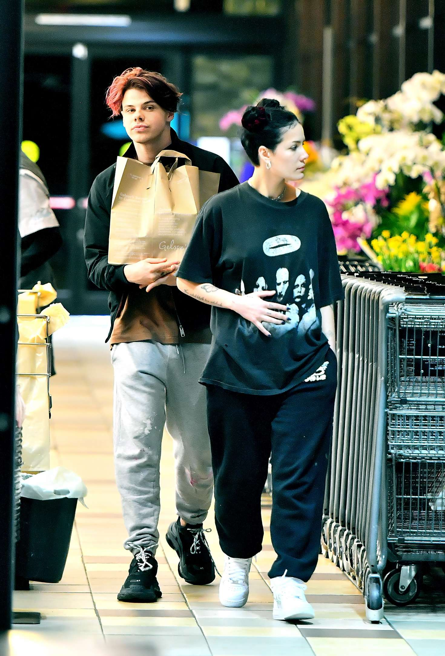 Halsey - Shopping at Gelson's Supermarket in Los Angeles
