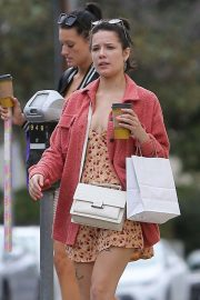Halsey - Shopping with a friend in Studio City