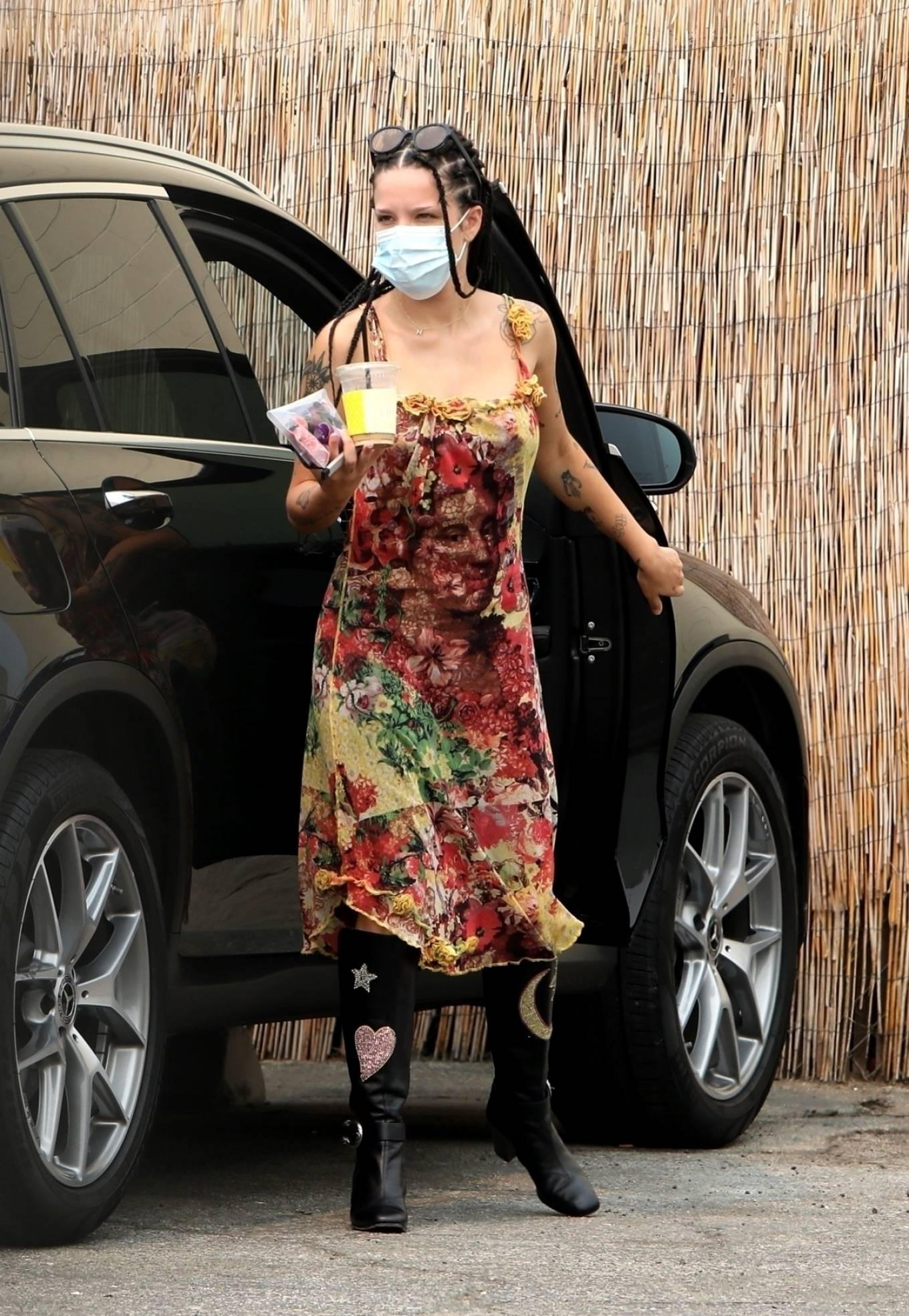 Halsey - Spotted arriving at a studio in Los Angeles