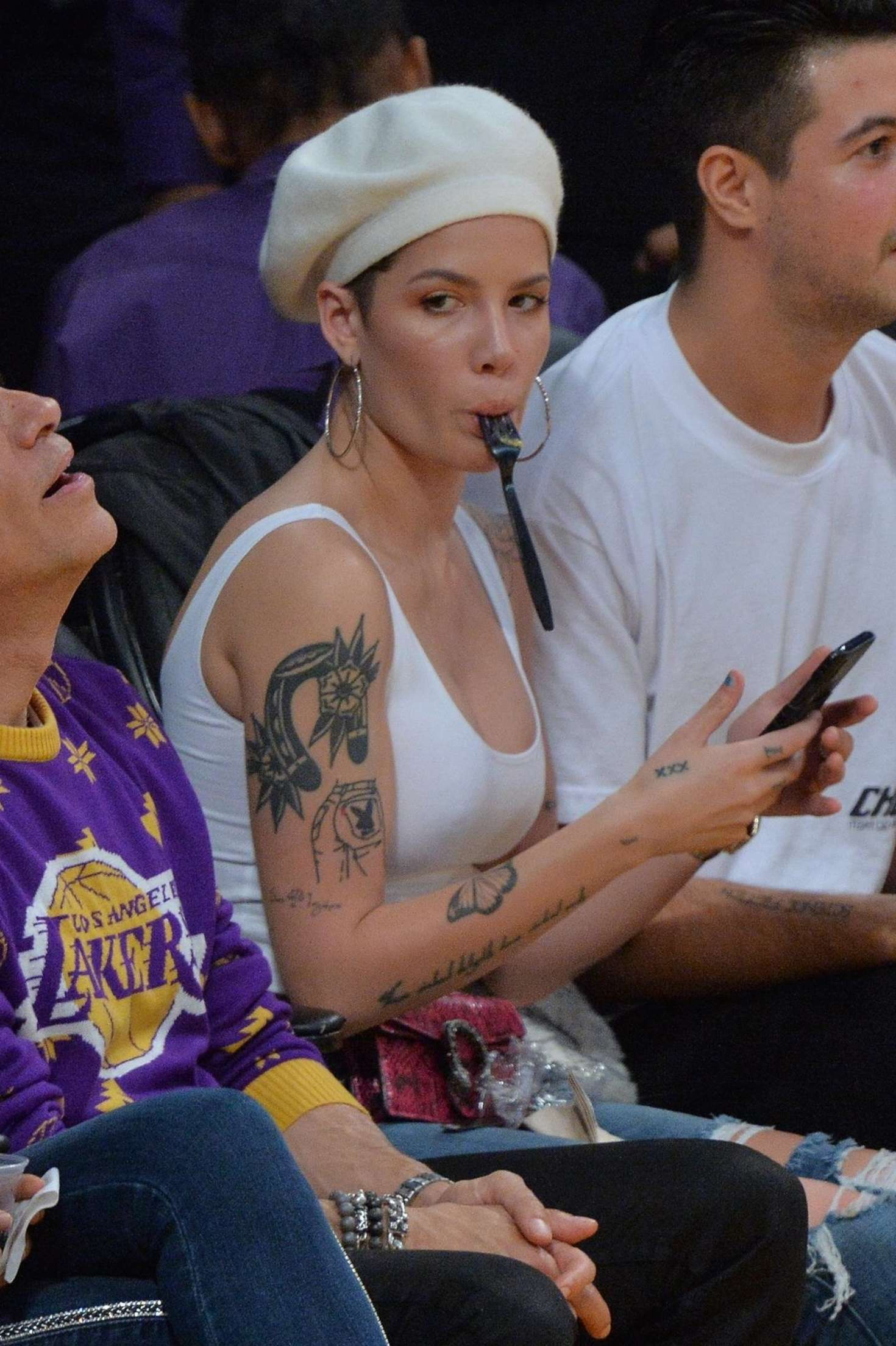 Halsey - Watch Lakers Game at the Staples Center in Los Angeles