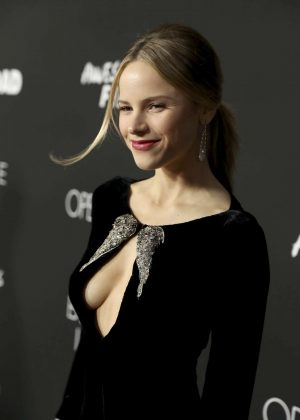 Halston Sage - 'Before I Fall' Premiere in Los Angeles