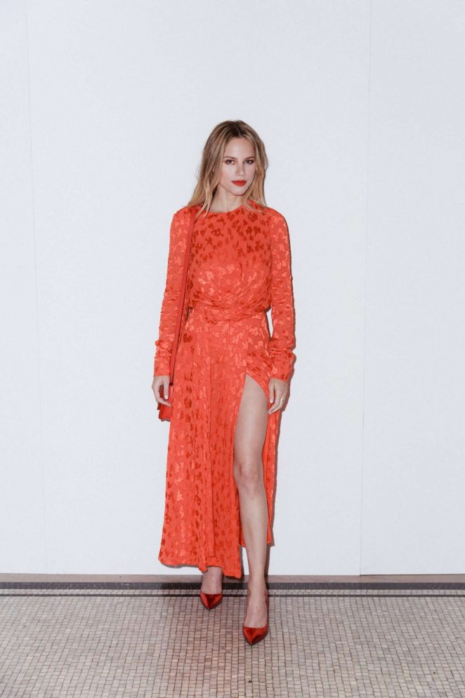 Halston Sage – Carolina Herrera Fashion Show in NYC