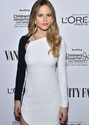 Halston Sage - Vanity Fair L'Oreal Paris and Hailee Steinfeld host DJ Night in West Hollywood