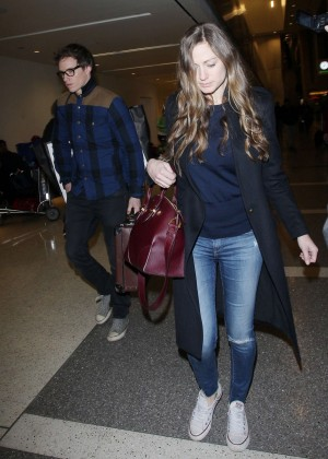 Hannah Bagshawe - Arrives at LAX Airport in Los Angeles