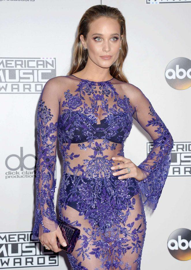 Hannah Davis - 2016 American Music Awards in Los Angeles
