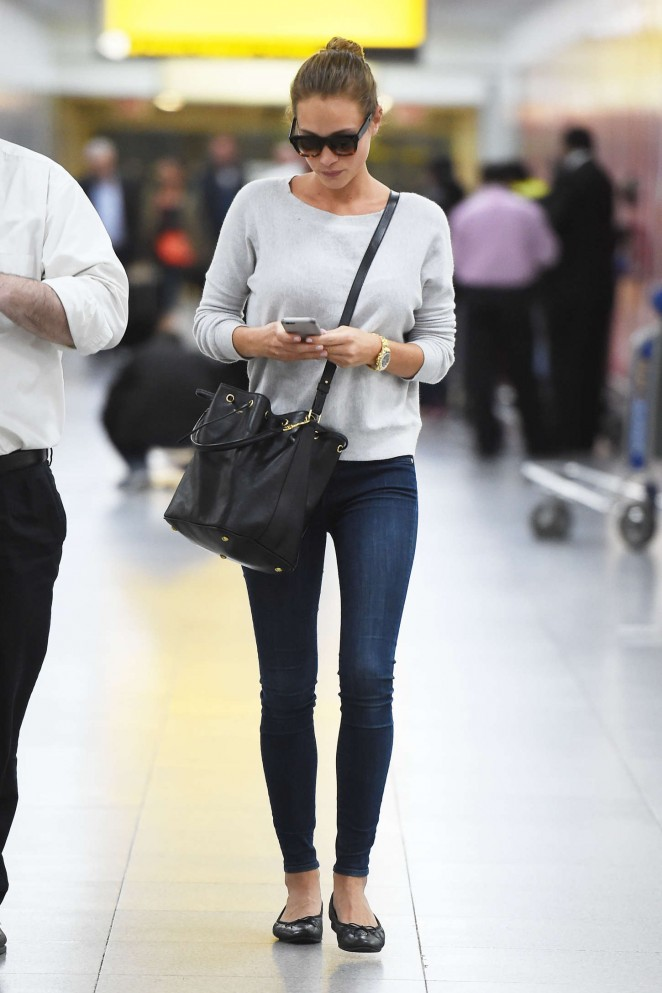 Hannah Davis - Arrives at JFK airport in NYC