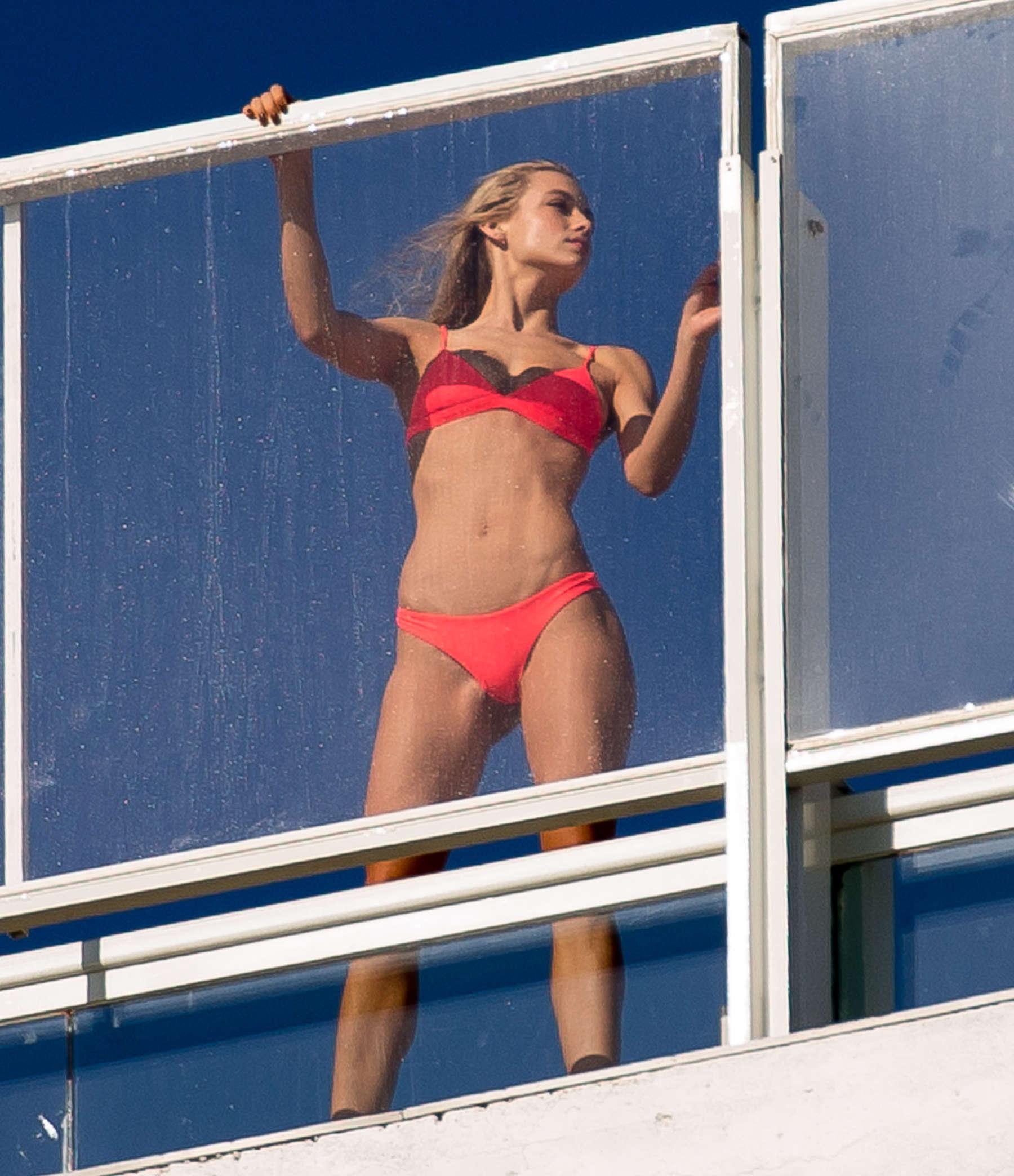 Bikini Hannah Ferguson nude (19 photos), Sexy, Is a cute, Feet, legs 2017