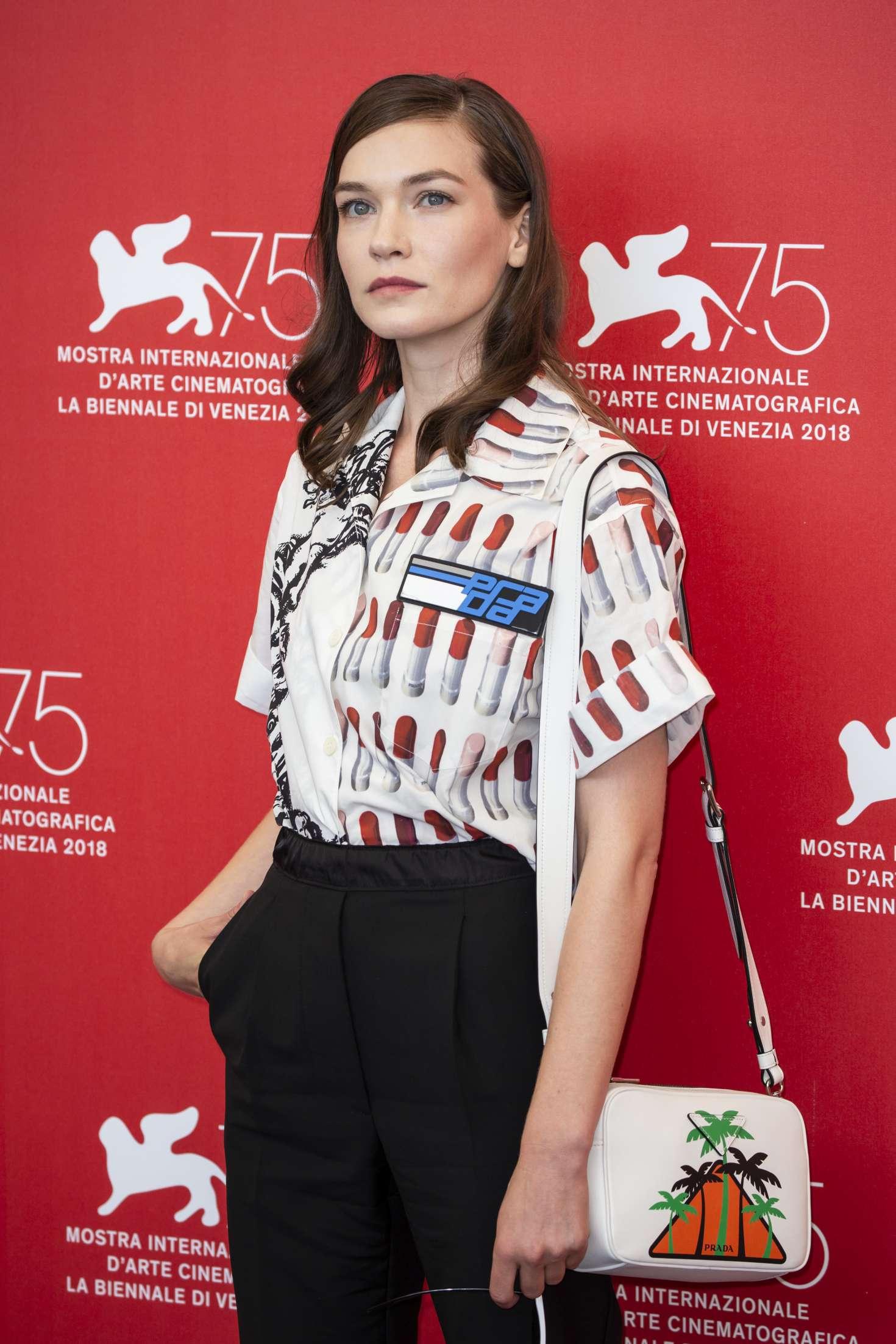 Hannah Gross - 'The Mountain' Photocall at 2018 Venice International Film Festival in Venice