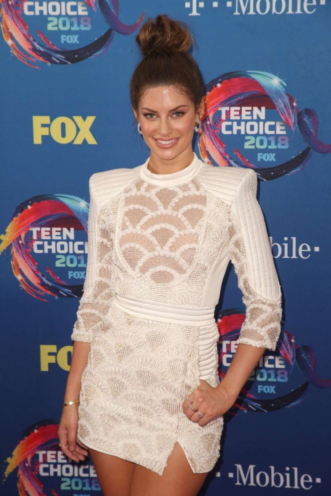 Hannah Stocking – 2018 Teen Choice Awards in Inglewood