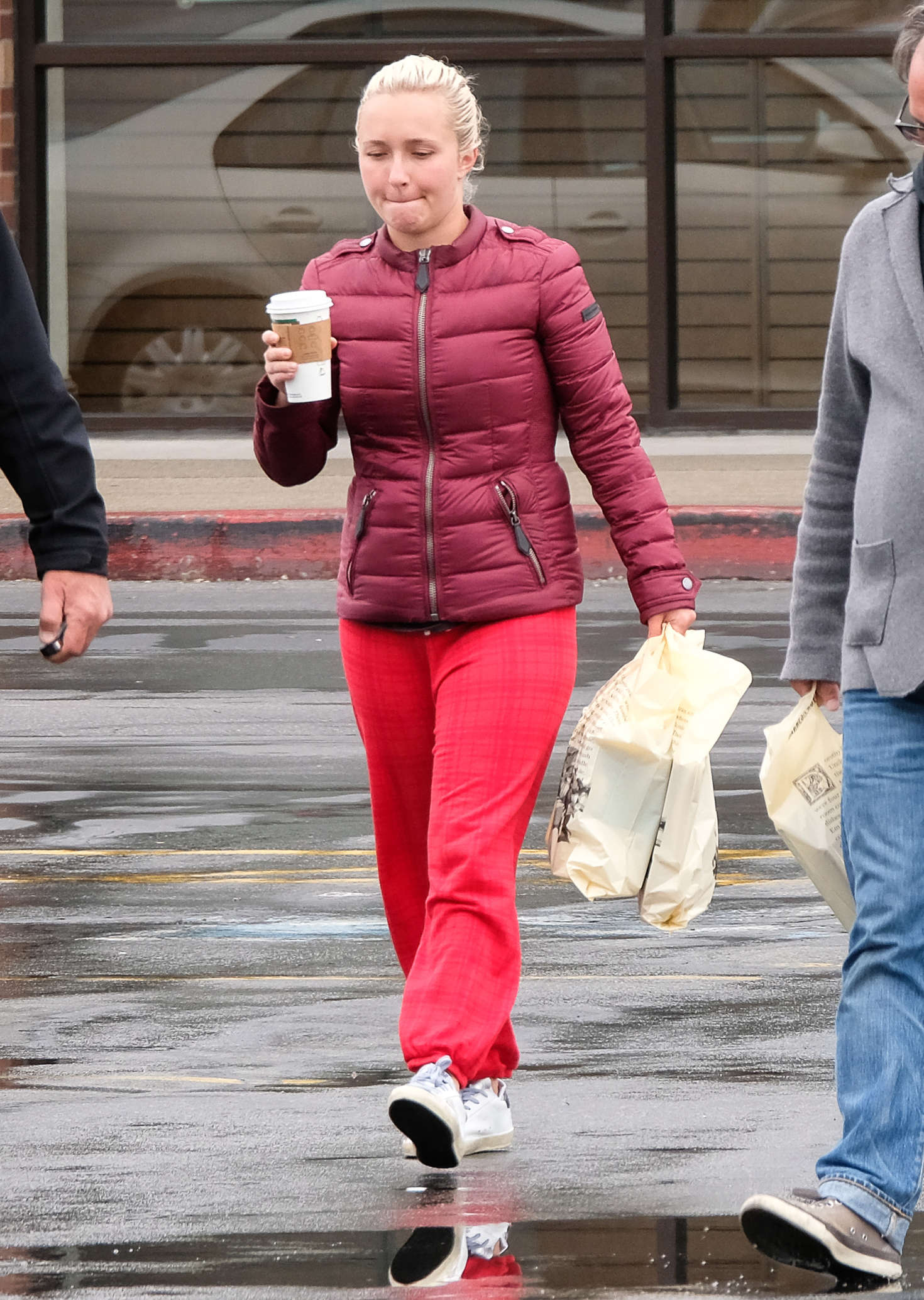hayden panettiere in red sweats out in utah