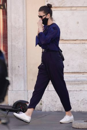 Hayley Atwell - shopping candids in Rome