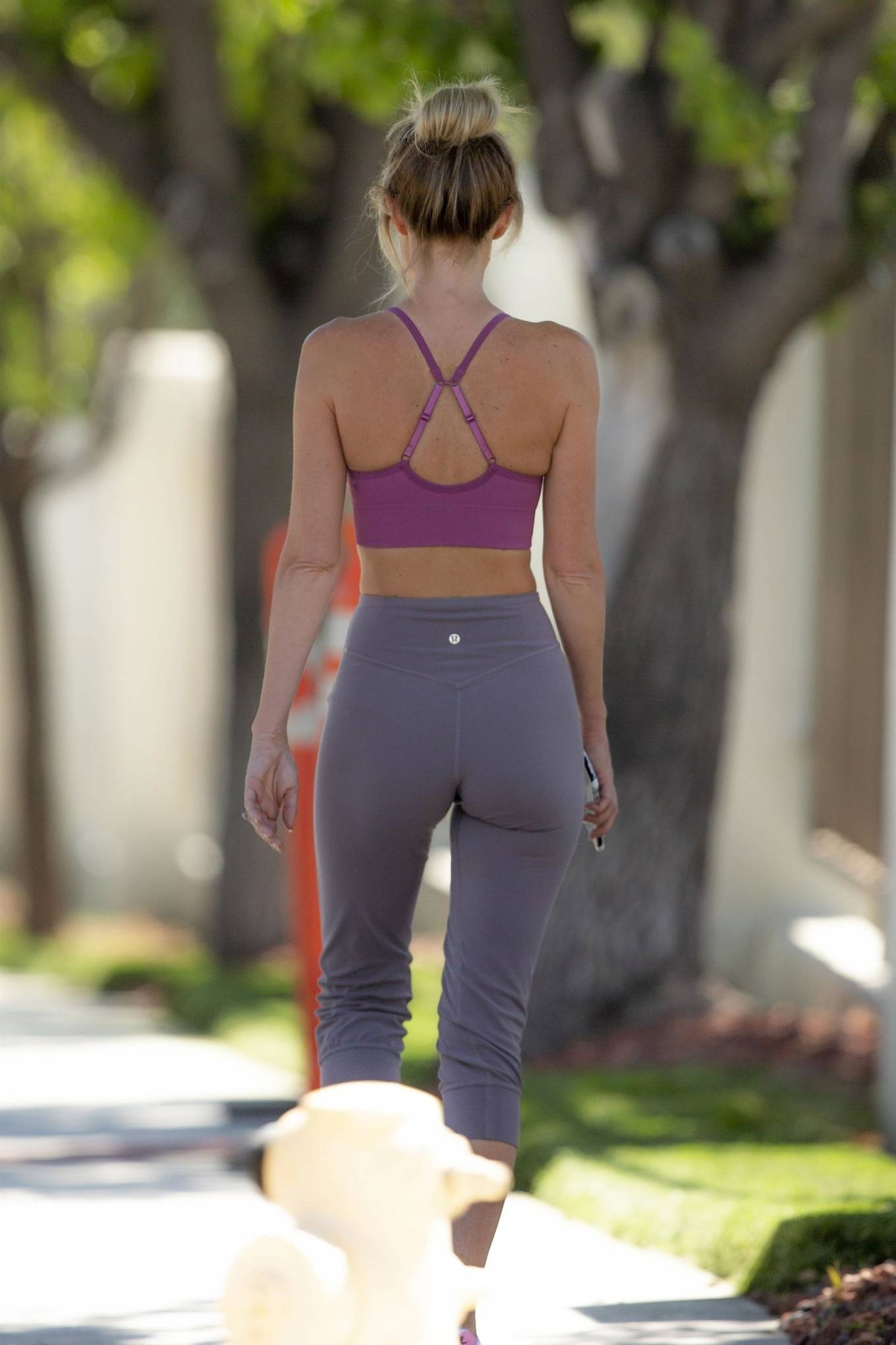 Hayley Roberts Hasselhoff 2020 : Hayley Roberts Hasselhoff in Tights and Sports Bra – Out in Calabasas-03