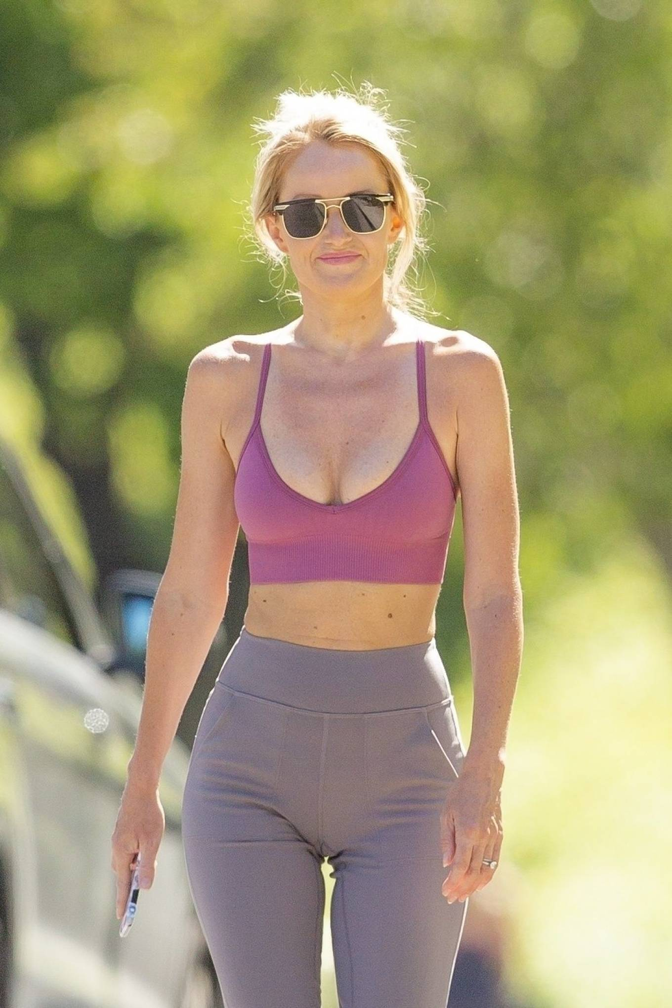 Hayley Roberts Hasselhoff 2020 : Hayley Roberts Hasselhoff in Tights and Sports Bra – Out in Calabasas-17