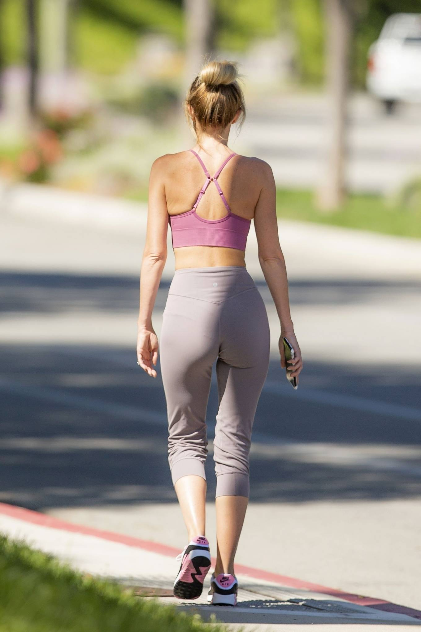 Hayley Roberts Hasselhoff 2020 : Hayley Roberts Hasselhoff in Tights and Sports Bra – Out in Calabasas-20