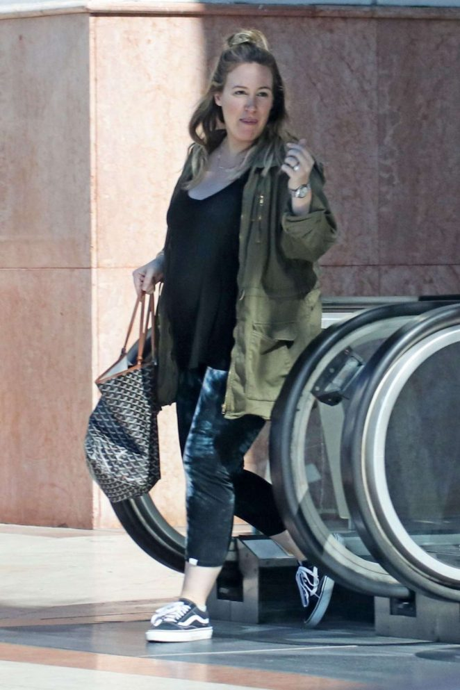 Haylie Duff – Leaves a Pilates Class in Los Angeles