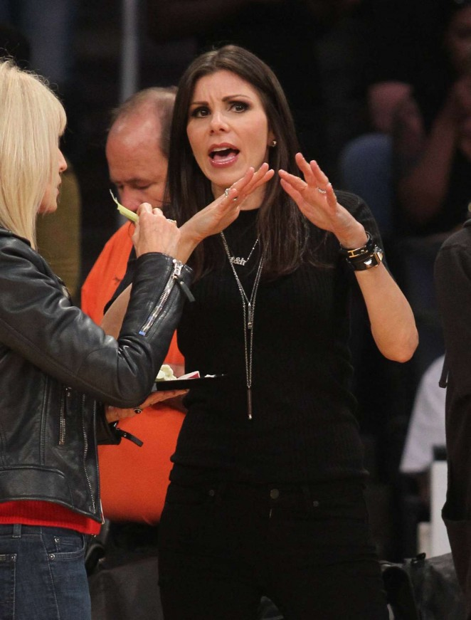 Heather Dubrow At The Lakers Game At Staples Center In Los