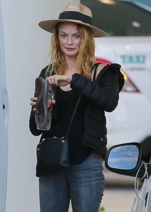 Heather Graham - Arrives at Cancun International Airport in Mexico