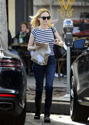 Heather Graham at Burger Lounge in LA