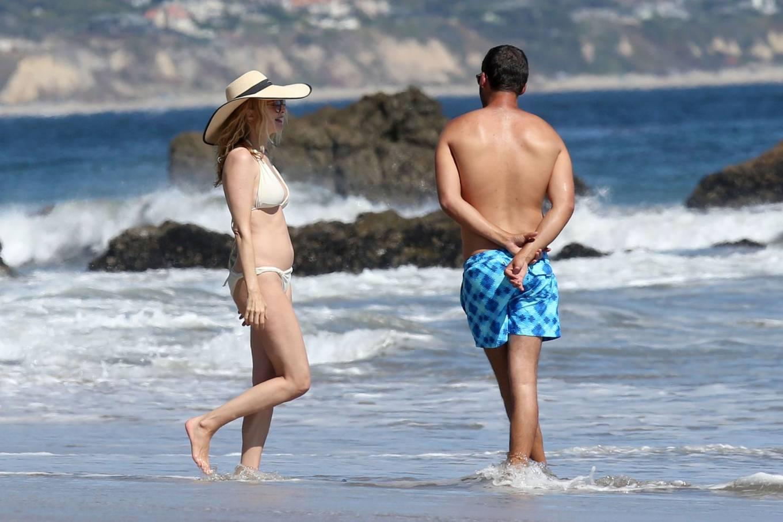 Celebrities In Bikinis