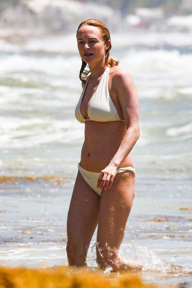 Heather Graham -in White Bikini on vacation in Mexico