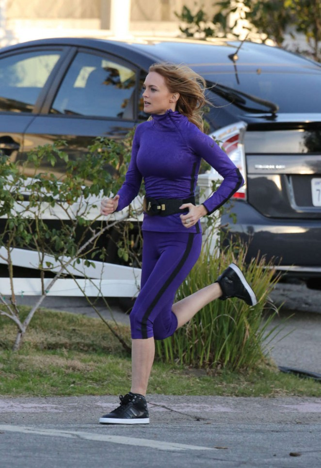 Heather Graham on the set of Angie Tribeca -02