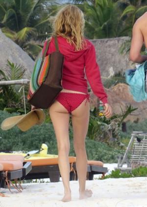 Alfa img - Showing Heather Graham Red Sox Bikini