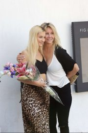 Heather Locklear -  Celebrates her daughter Ava Sambora 22nd Birthday in West Hollywood