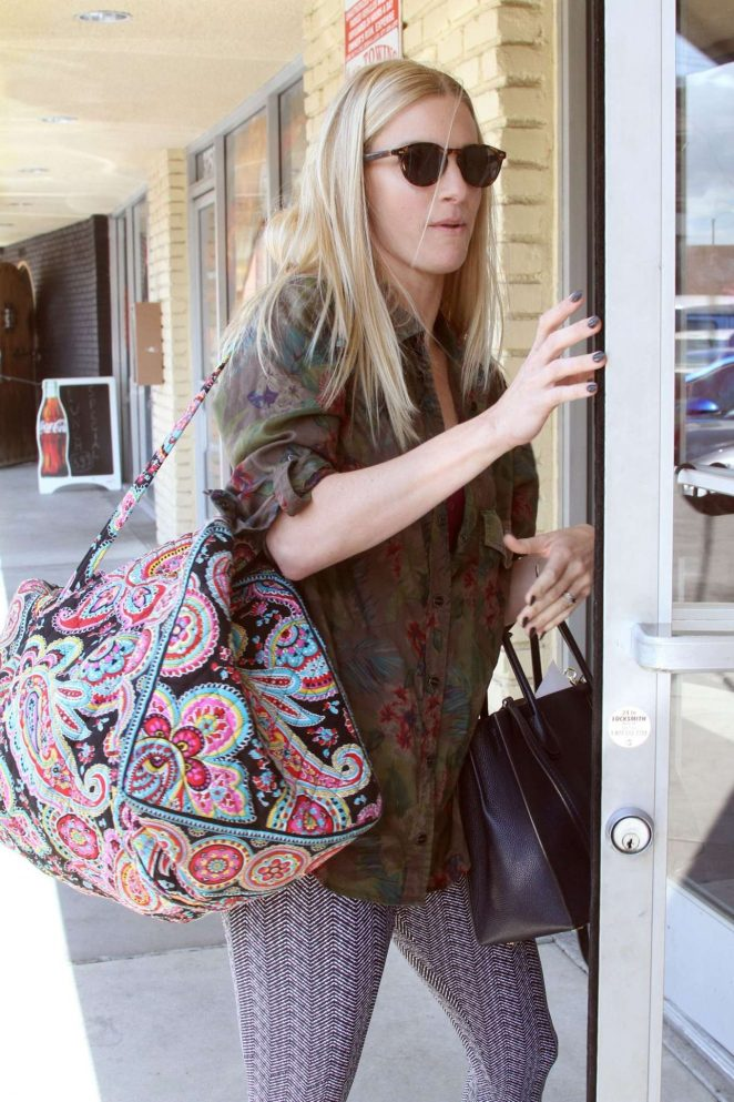 Heather Morris – Arrives at DWTS in Los Angeles