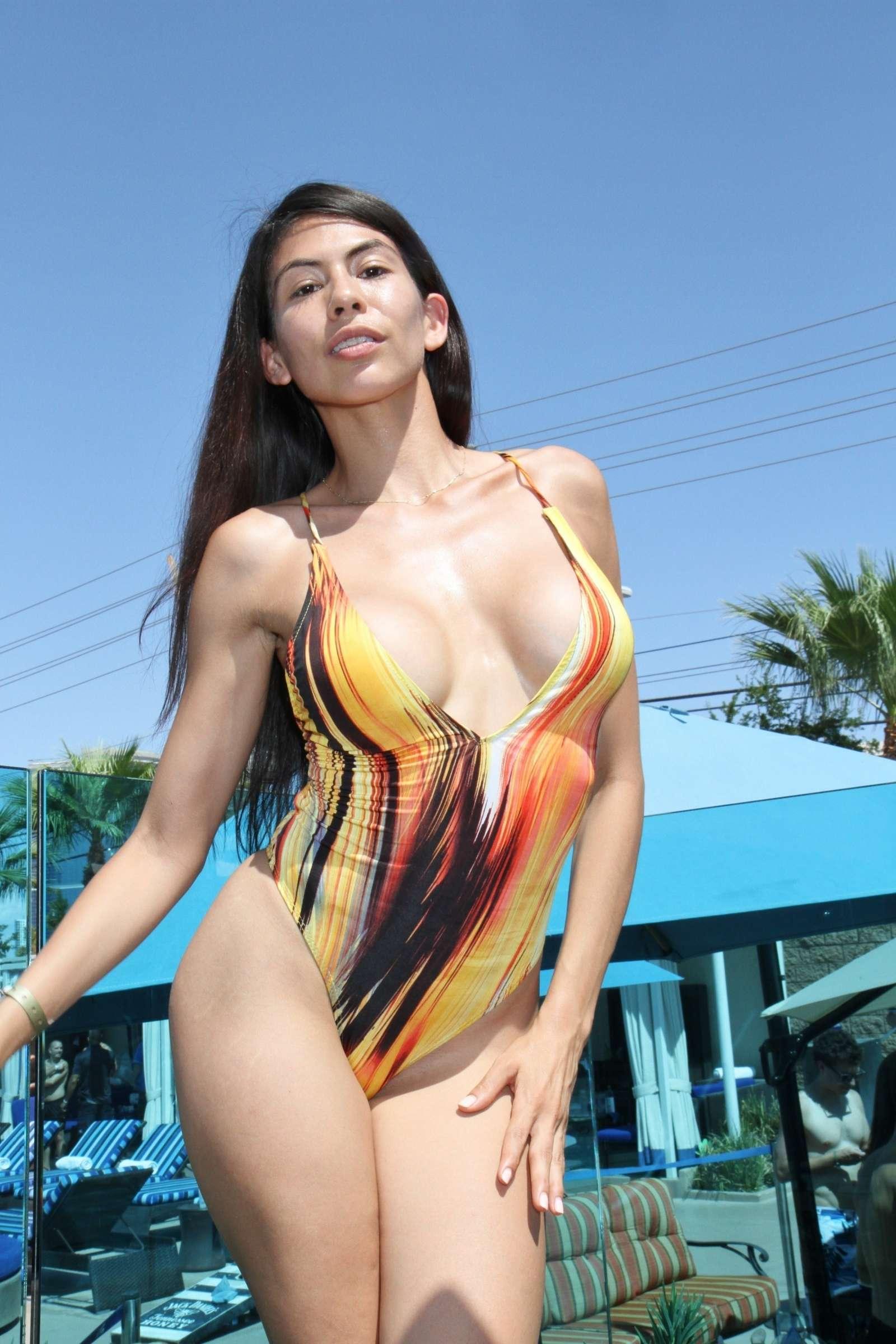 Hot Heather Vahn  naked (64 foto), Twitter, panties