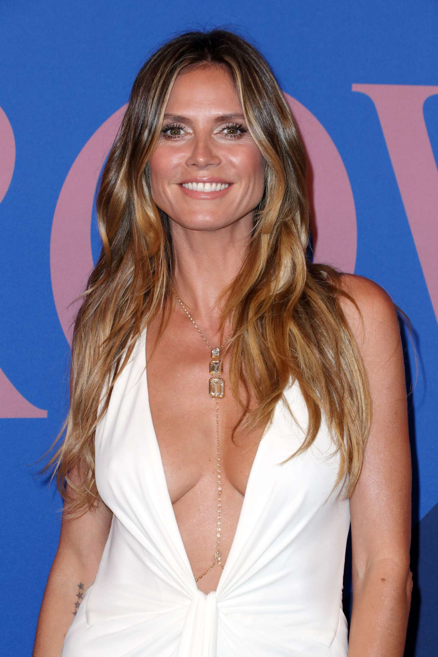 heidi klum 2017 cfda fashion awards in new york. Black Bedroom Furniture Sets. Home Design Ideas