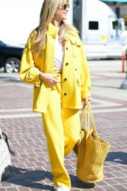 Heidi Klum - All yellow at America's Got Talent Finals